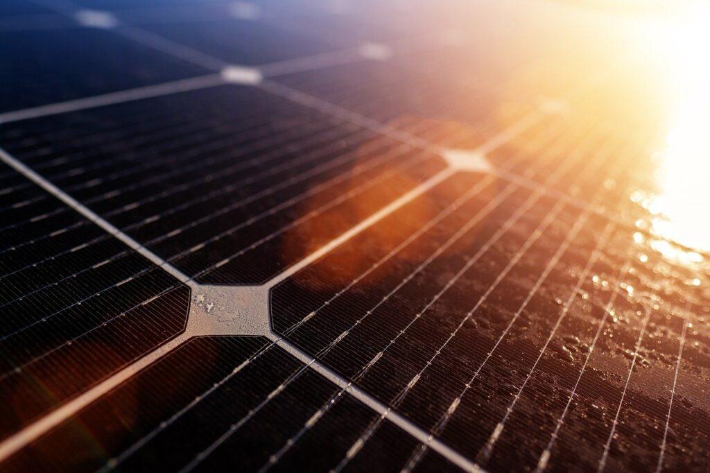 Paneles fotovoltaicos de 24 V